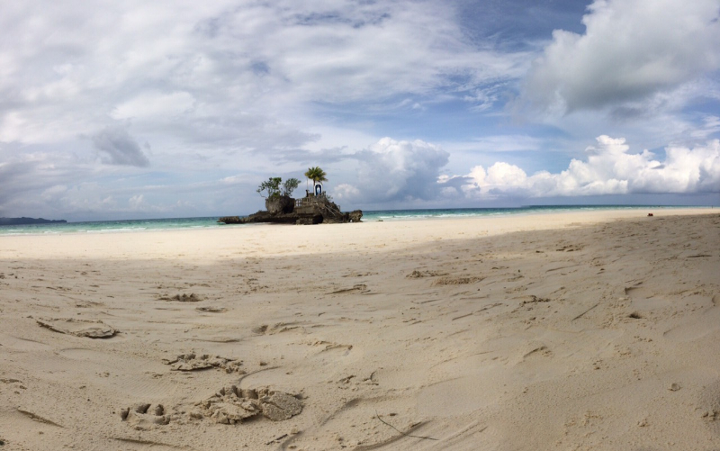 Boracay Island remains as one of the favorites of the Condé Nast Traveler's readers.