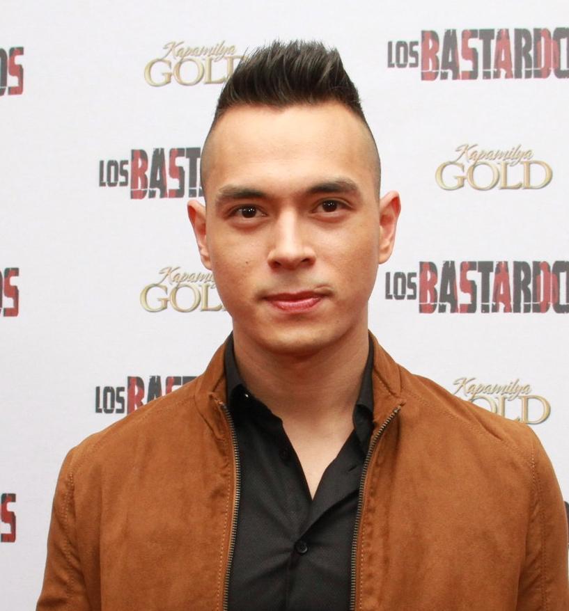 Jake Cuenca as Isagani