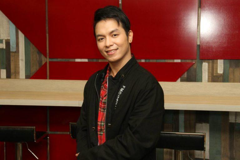 """Tawag ng Tanghalan finalist Sam Mangubat sings """"Pagkat' Nariyan Ka"""""""