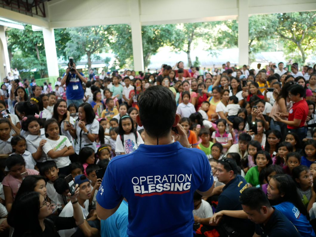 Gary V treated the residents to a mini concert