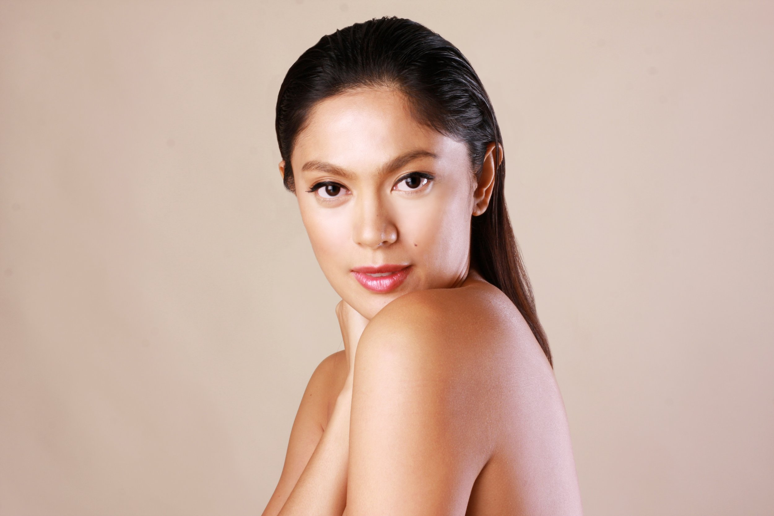 Ariella Arida is CosmoSkin's face behind it's Grape Seed Extract (GSE) that corrects dark spots on the skin