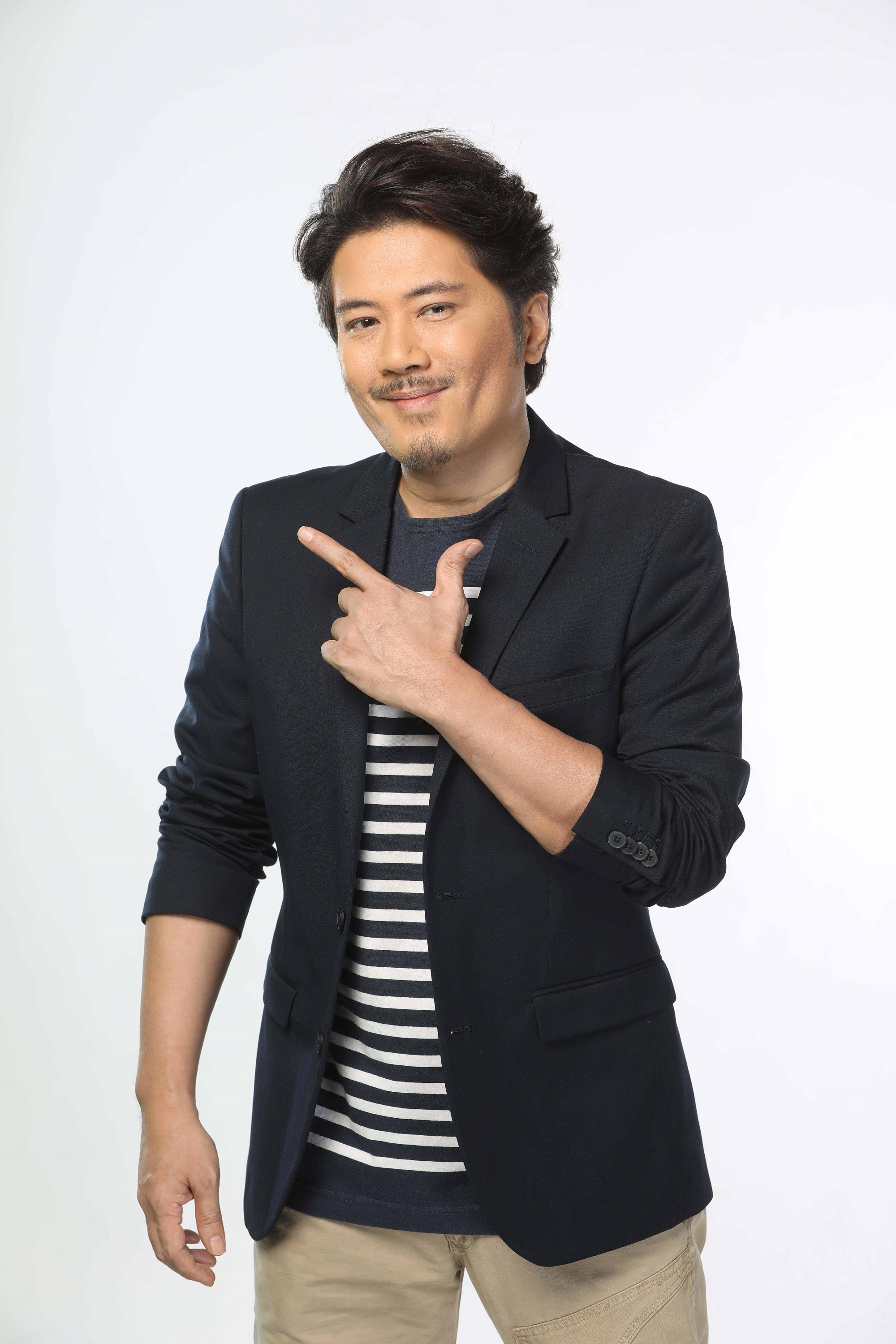 Janno Gibbs returns to comedy after signing with Viva