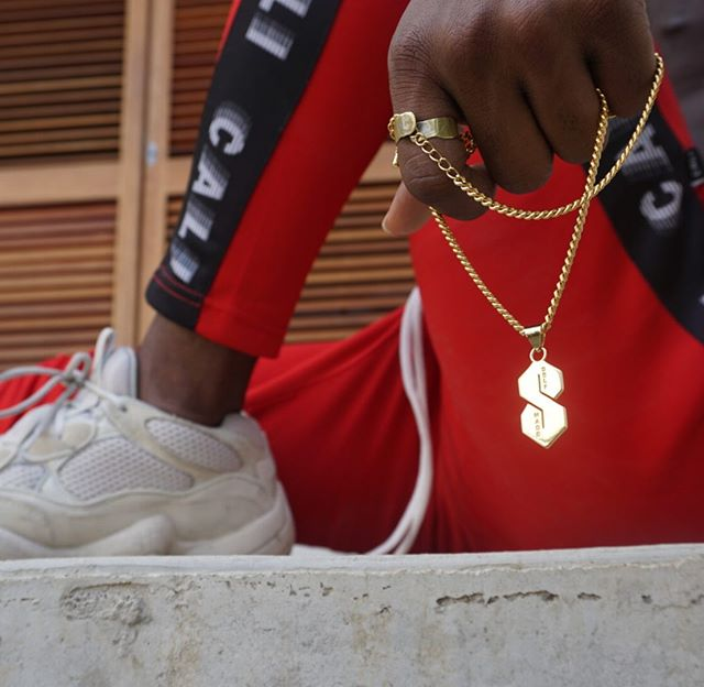 Self Made Summer 🎖 • • • • • #tbt #gold #pendants  #luxury #highend #design #yeezy #adidas #caliuk #fashionblogger #nyc #handmade #cubanlink #chain  #ootd #ootn #goldchains  #mensstyleguide #vfiles #sonya6000 #thesthing #gq #complex #hypebeaststyle