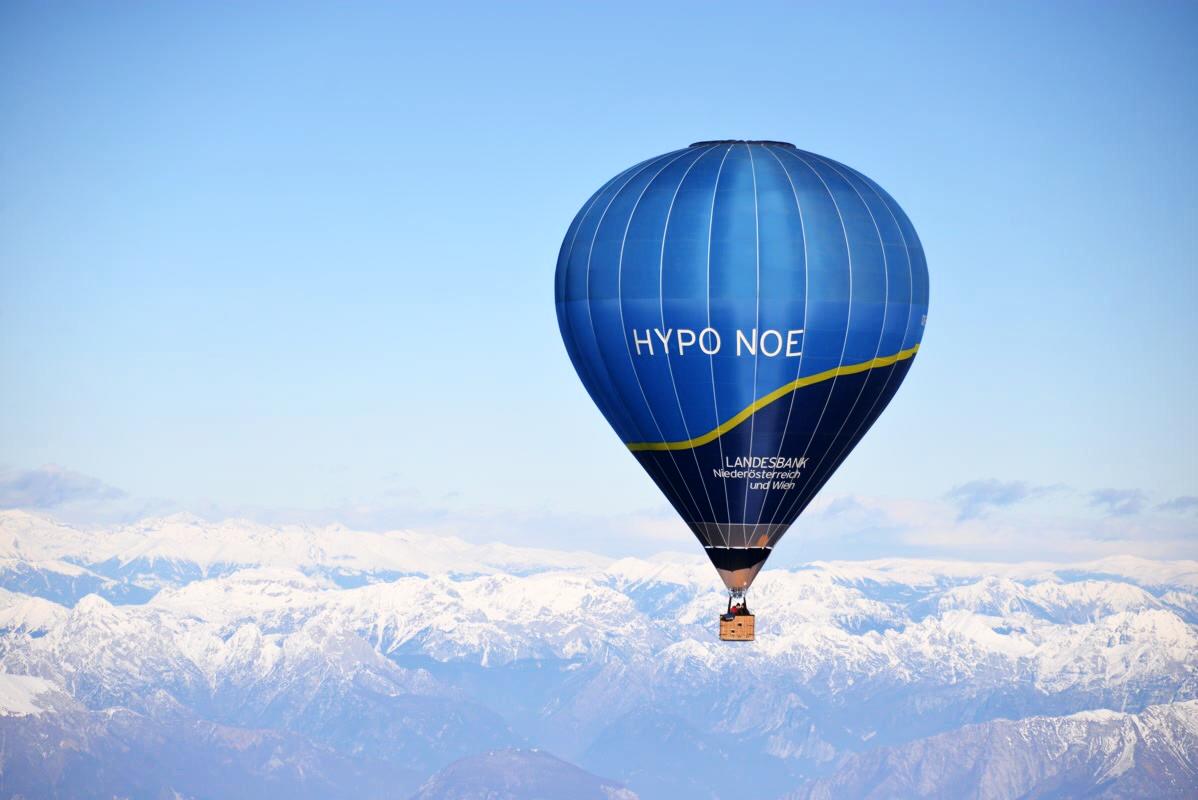 OE-SHY/ZHY HYPO NOE - Type: Cameron Z-120Baujahr: 2012 (SHY) und 2018 (ZHY)Hersteller: Cameron Balloons UKVolumen: 3400 m³Verwendung: Schulung, Gäste- und NachfahrtenTragfähigkeit: Pilot plus 3 Personen (ca. 270kg)Sponsor: HYPO NOEVerantwortlicher Pilot: Martin MörtingerFolgen Sie uns auf Facebook!