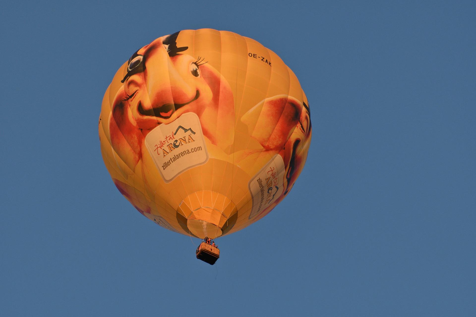 OE-ZAK Zillertal Arena - Type: Cameron Z-120Baujahr: 2016Hersteller: Cameron Balloons UKVolumen: 3400 m³Verwendung: Gäste, Schulung und NachtfahrtenTragfähigkeit: Pilot plus 3 Personen (ca. 270kg)Verantwortlicher Pilot: Manuel Brustbauer