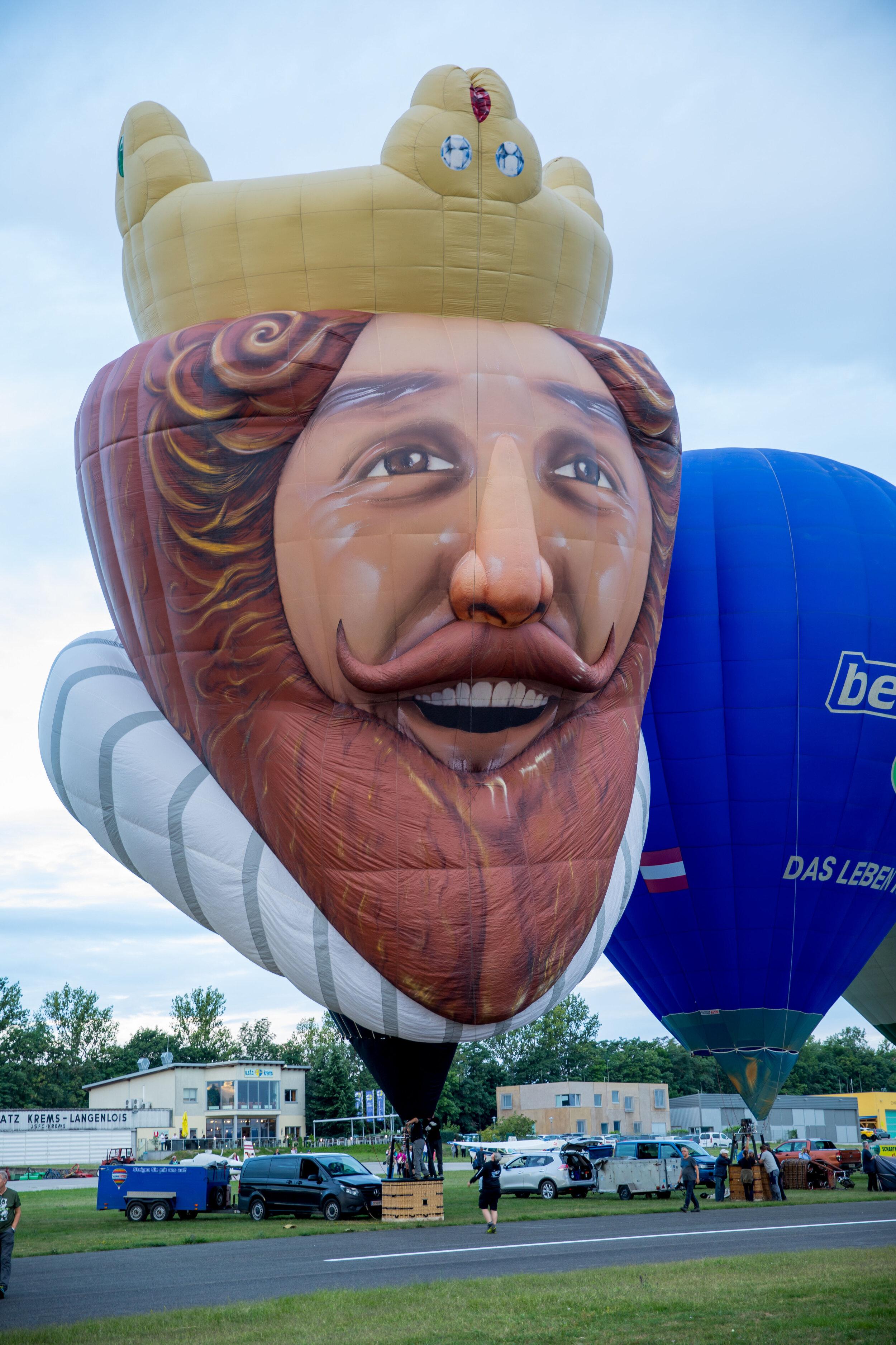 dieser Special-Shape Ballon hatte hier in Österreich seine Erstfahrt mit seinem neuen Eigentümer Christian Muth