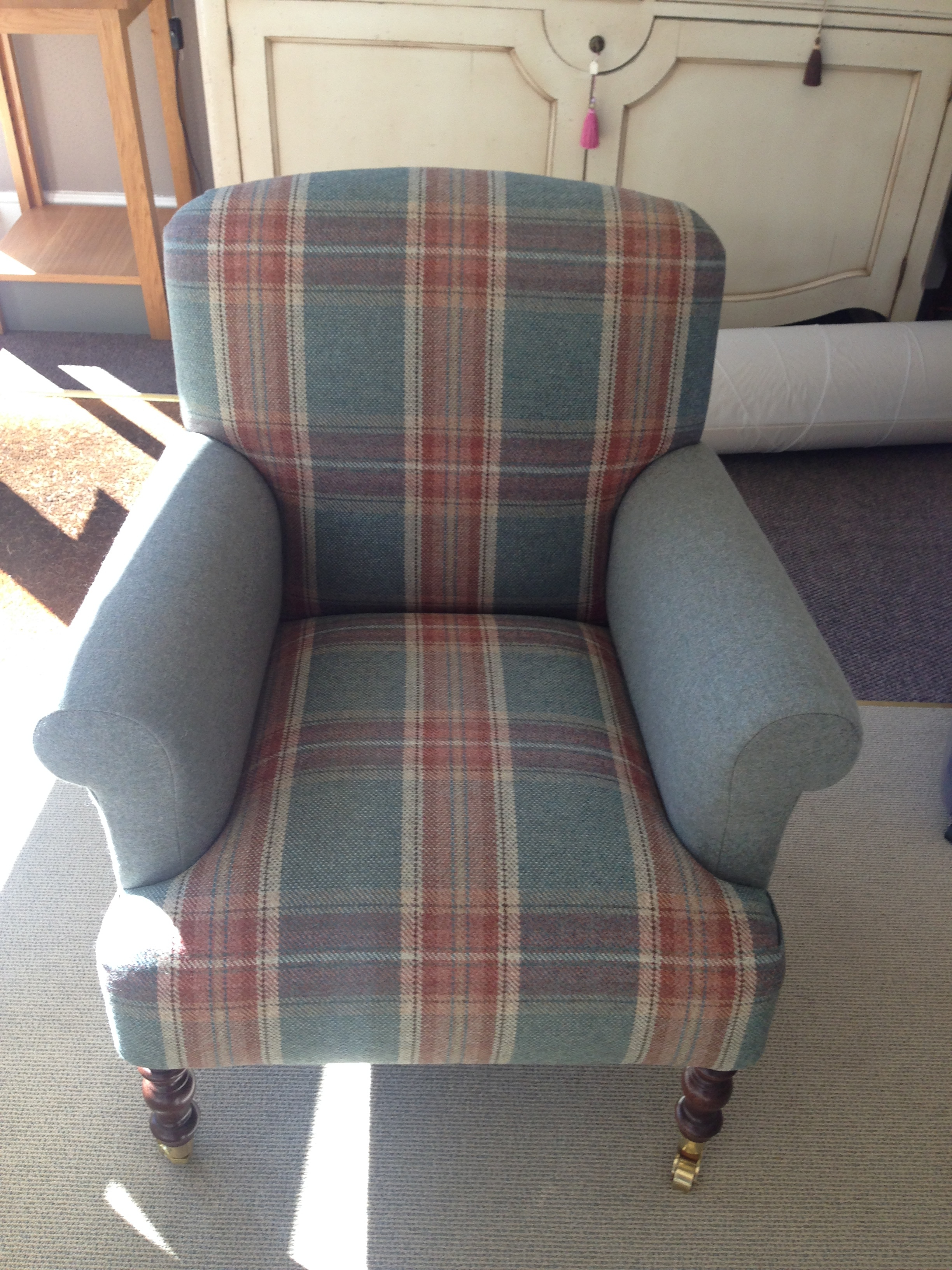 Sofas & Chairs -