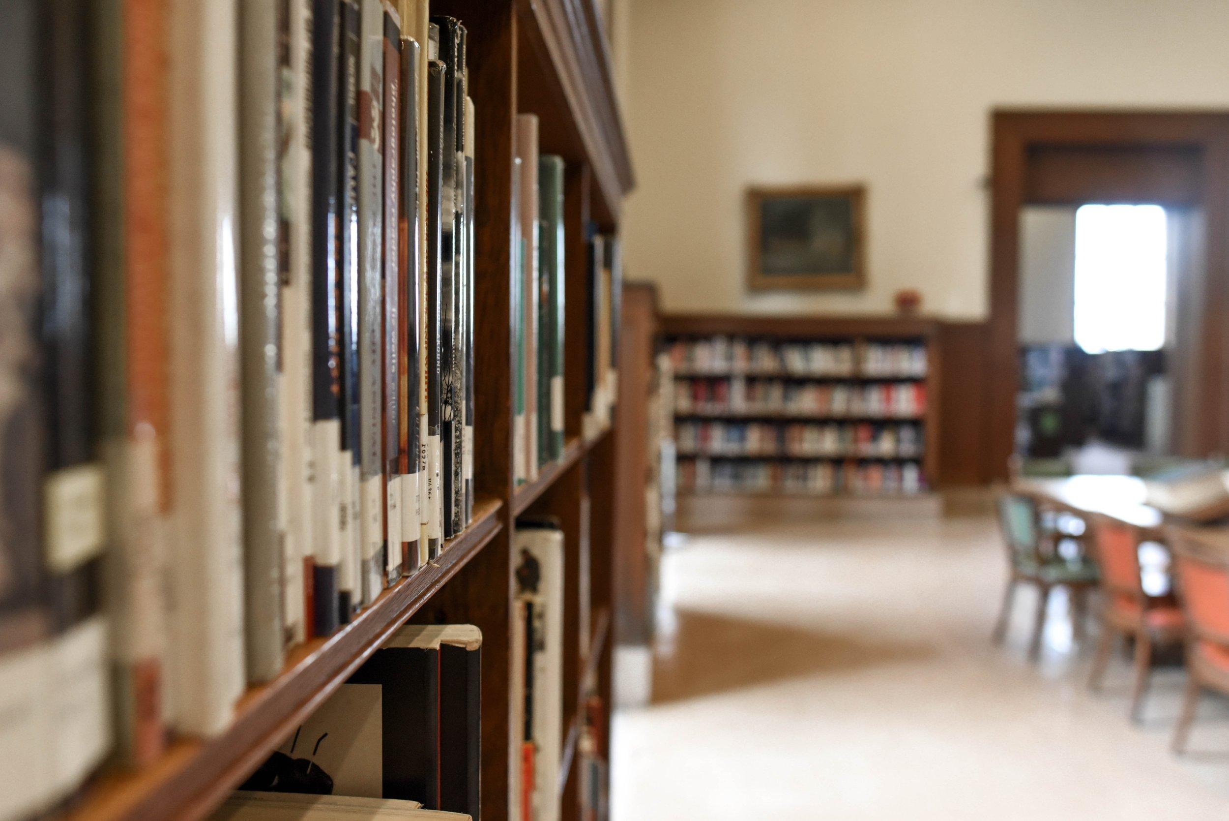 architecture-bookcase-books-1370296.jpg