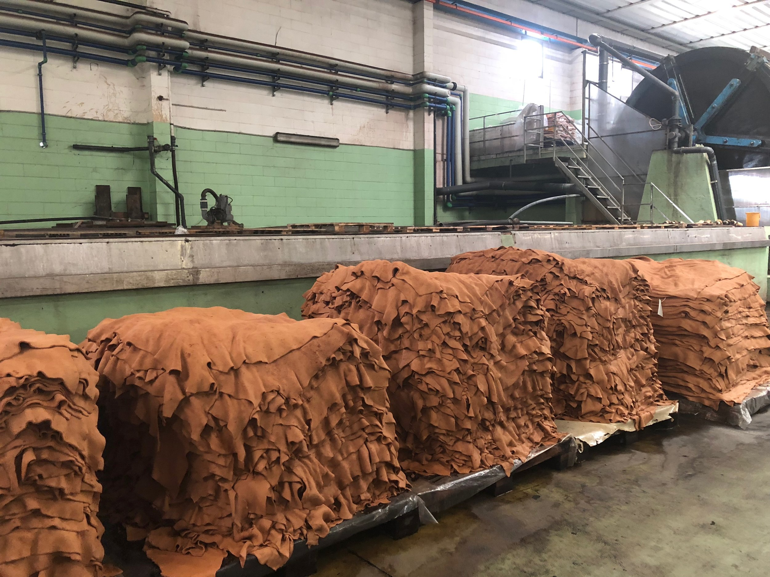 Un Dyed Leather After Tanning Process