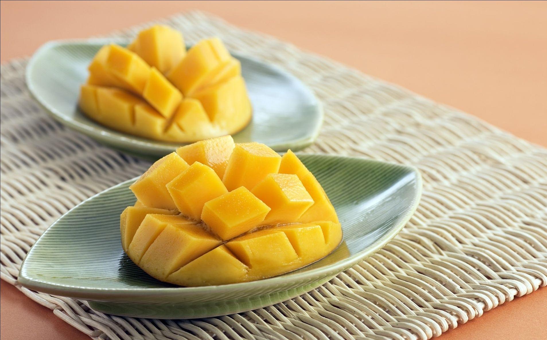 mango-2360551_1920.jpg