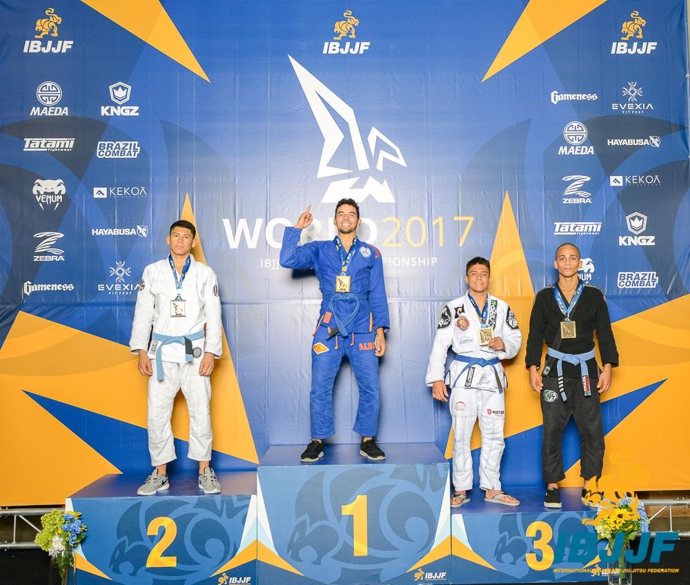 Luiz Paulo Carneiro Medeiros placed second in the Blue / Adult / Male / Feather Weight division