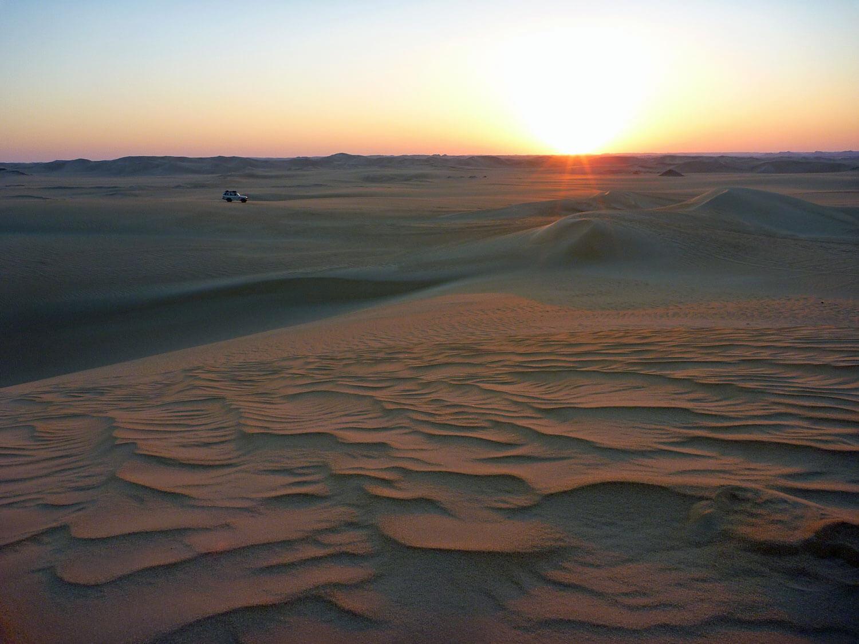 egypt-siwa-desert-dunes-landcruiser-toyota-sunset.jpg