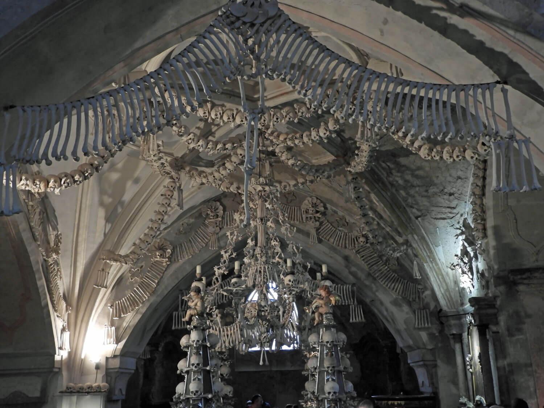czech-sedlec-ossuary-family-crest-chandelier-bones.jpg