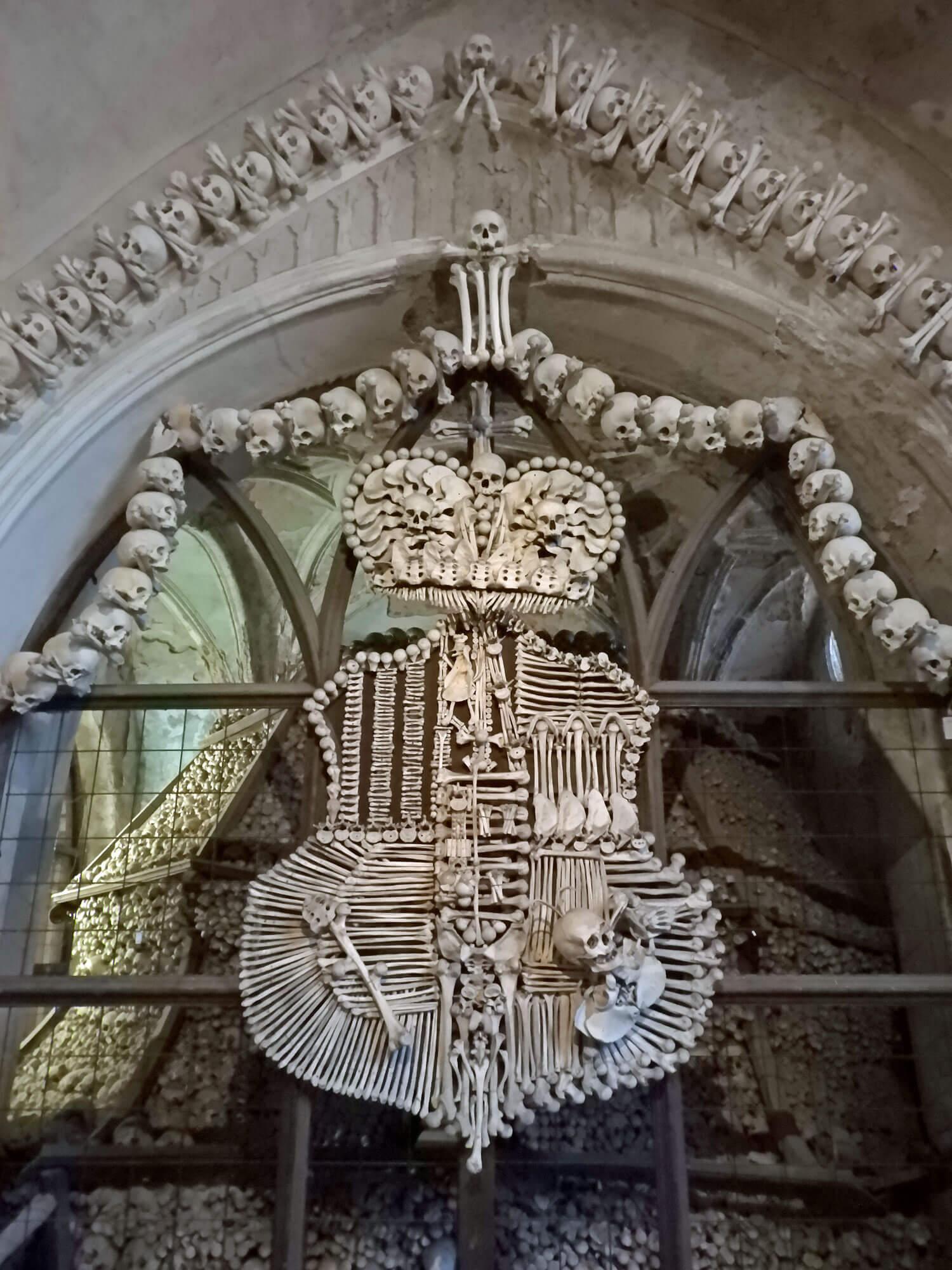 czech-sedlec-ossuary-family-crest-bones.jpg
