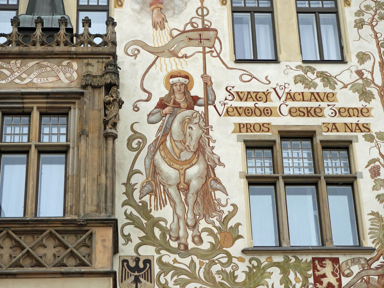 czech-prague-traditional-facade.jpg