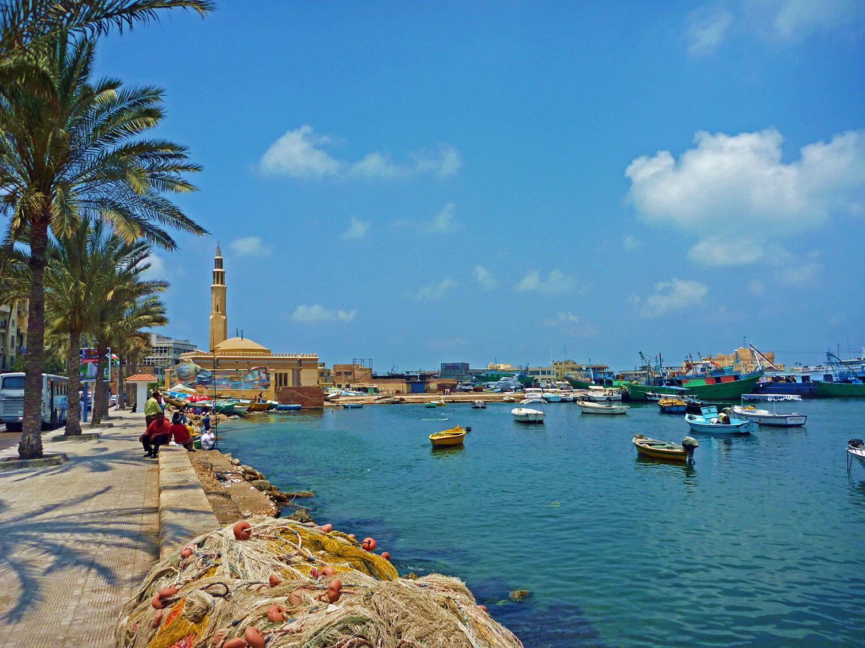 egypt-alexandria-cornish-alcornish-harbor-bay.jpg