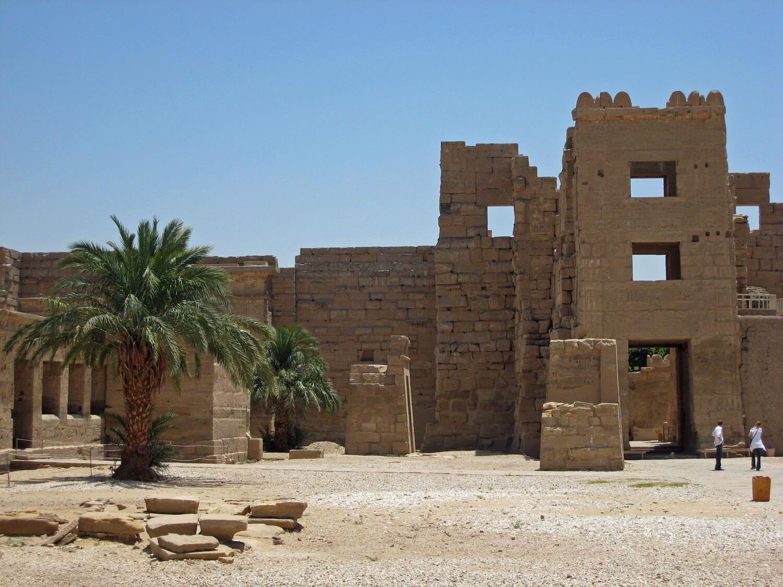 egypt-luxor-temple-desert-palms.jpg