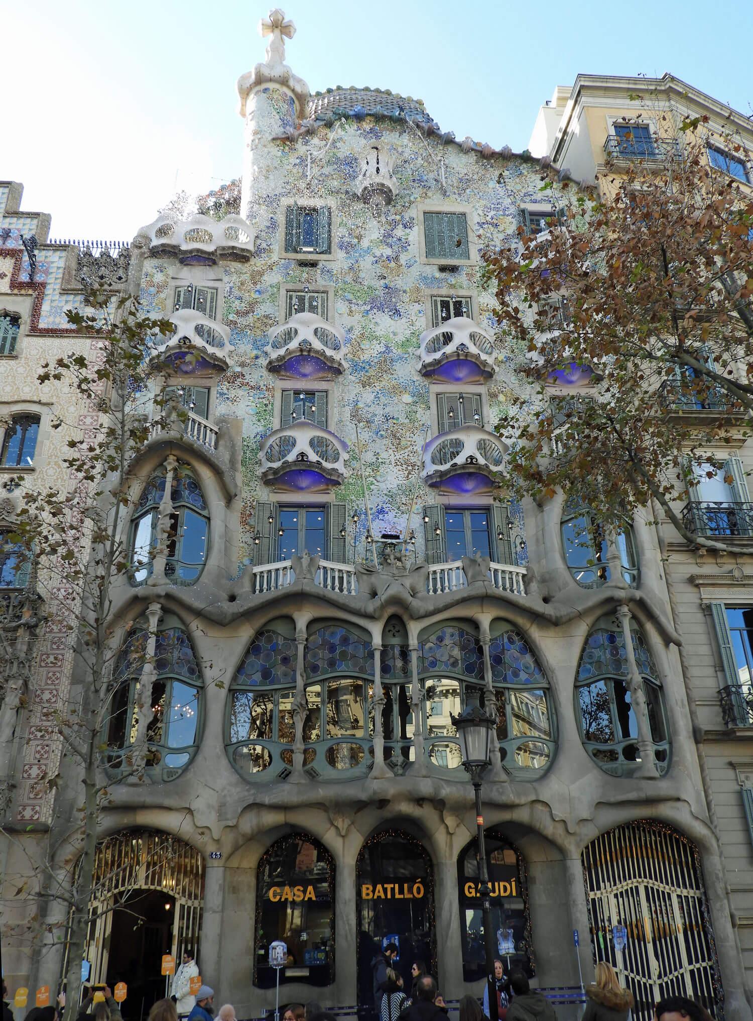 spain-barcelona-batllo-casa.jpg