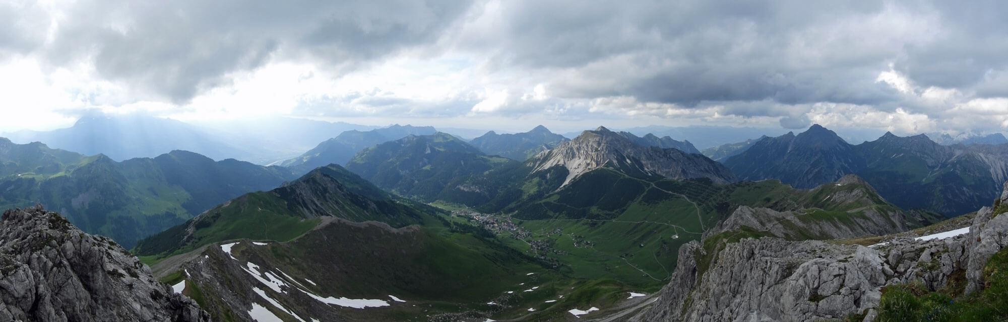 liechtenstein-malbun-mountain-panorama-green-summer.jpg