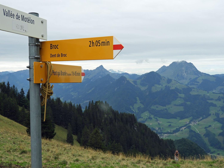 switzerland-gruyere-dent-du-broc-sign-hike-green.jpg