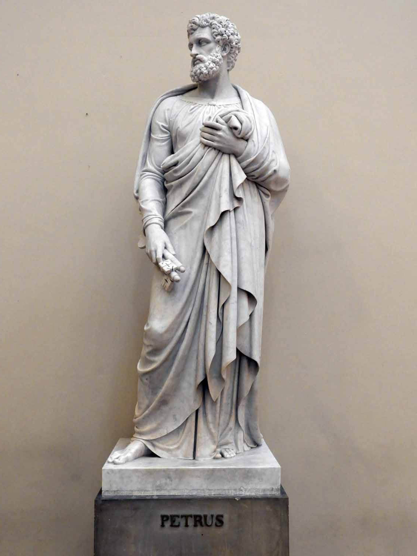 denmark-copenhagen-vor-frue-kirke-cathederal-peter-apostle-carrara-marble-thorvaldsen.JPG