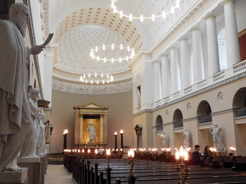 denmark-copenhagen-vor-frue-kirke-jesus-christus-12-apostles-carerra-marble-thorvaldsen.JPG