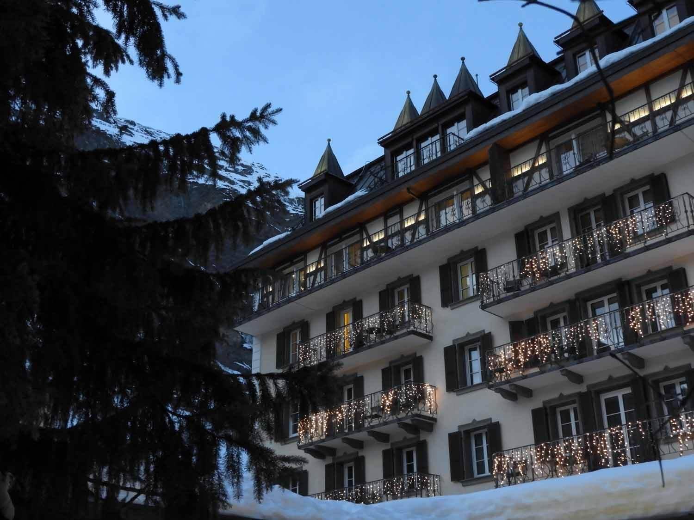 switzerland_zermatt_winter_snow_skiing_snowboarding _hotel_town.JPG