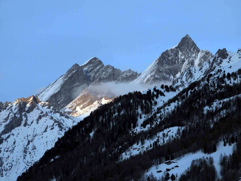 switzerland_zermatt_winter_snow_skiing_snowboarding _sunset_peaks_alps_mountains.JPG