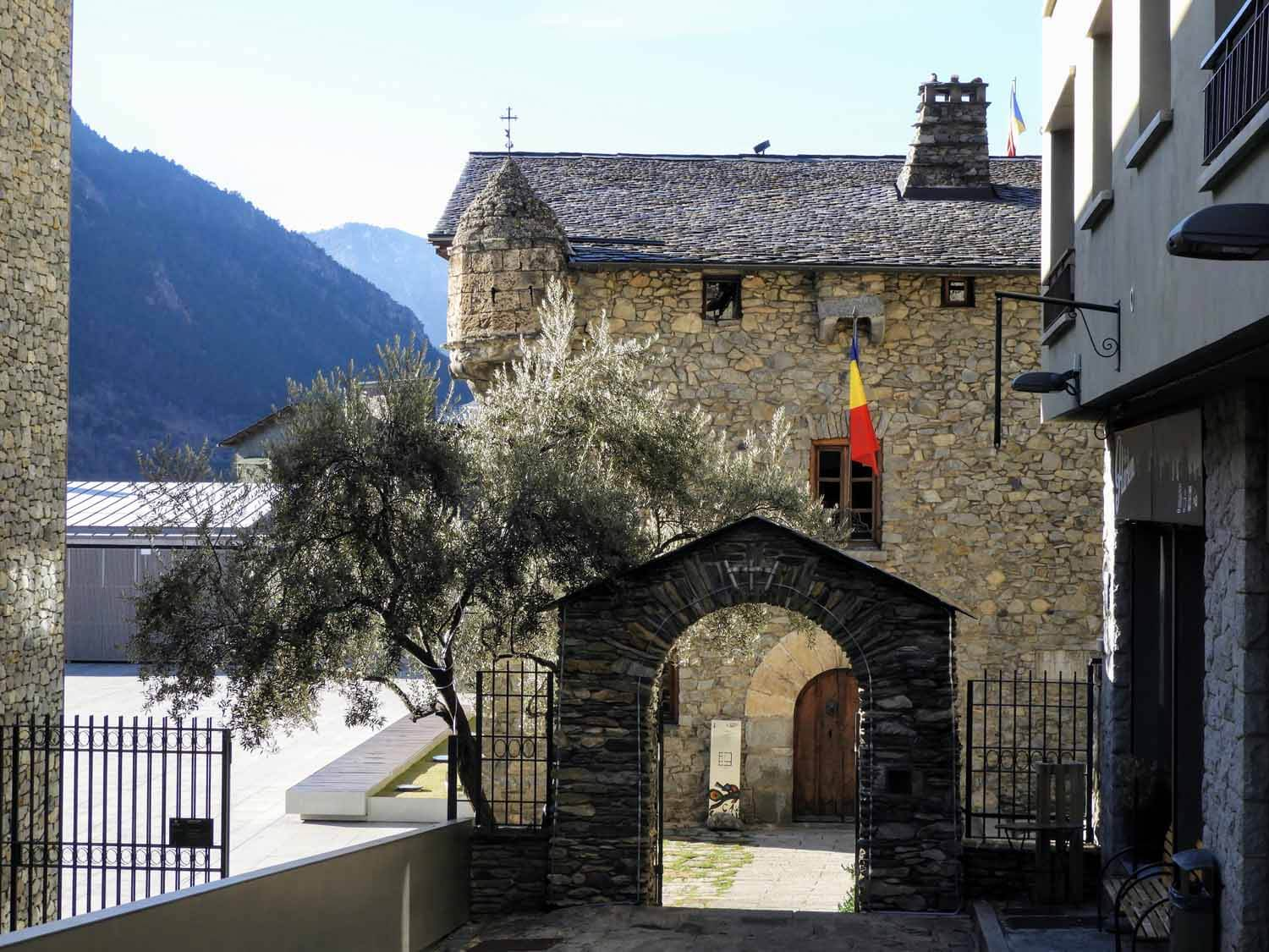 andorra-micro-nation-casa-vall-vella-tour-capital-governement-parliment.jpg