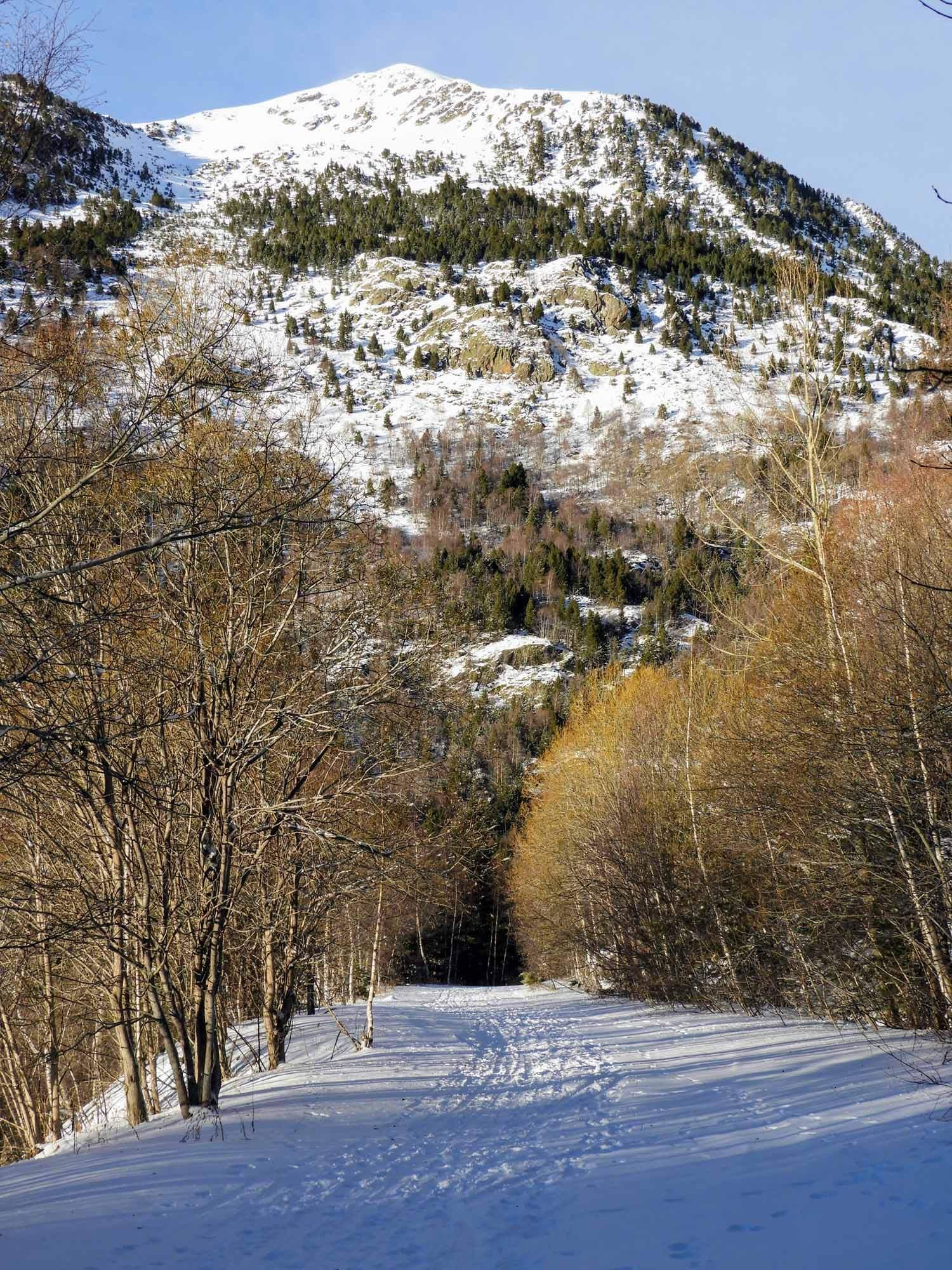 andorra-micro-nation-pyrenees-winter-mountains-snow.jpg