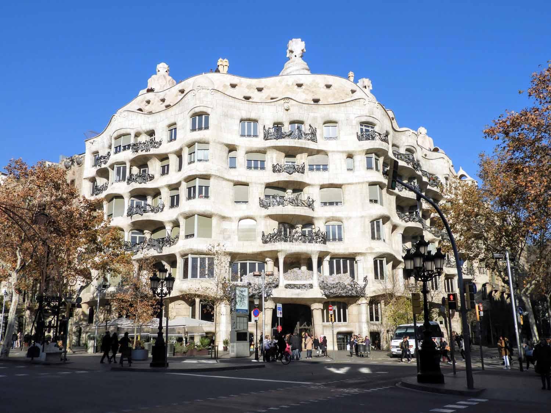 barcelona-gaudi-architecuture.jpg