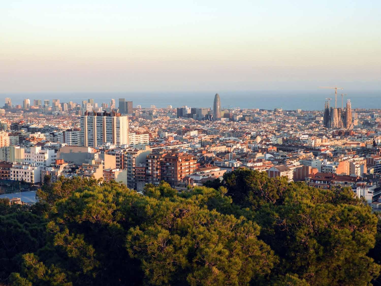 spain-barcelona-park-guell-turo-tres-creus.jpg