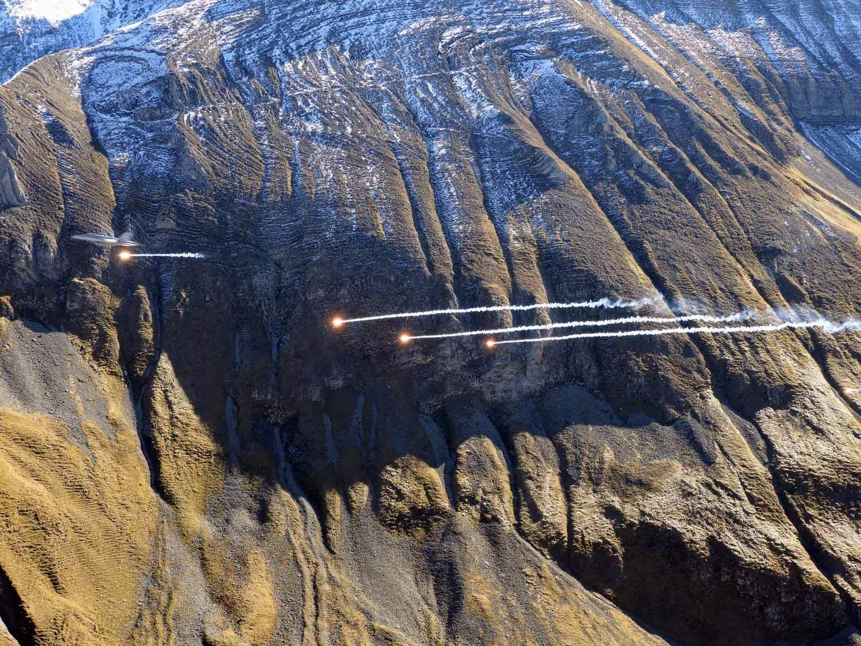 switzerland-axalp-f18-super-hornet-swiss-air-force-meringen (6).jpg