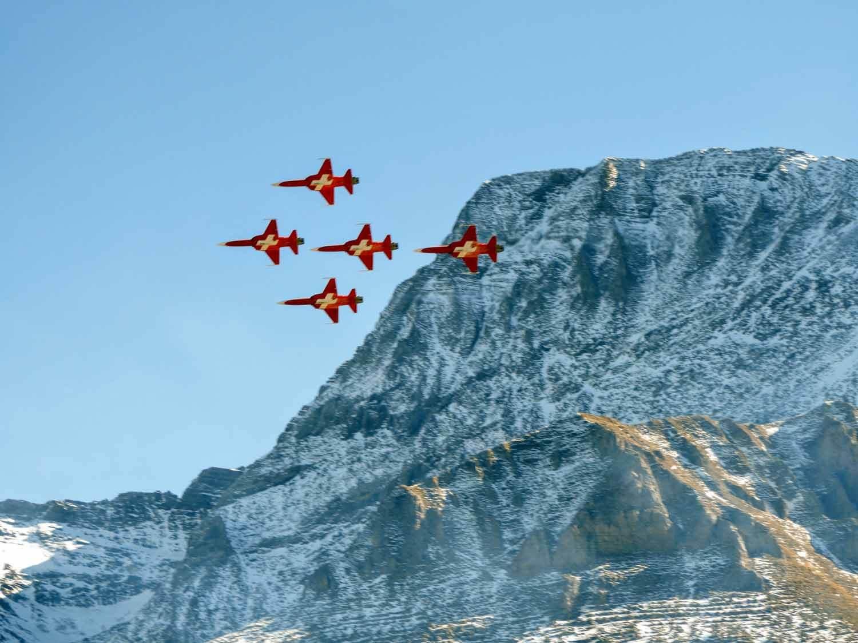 switzerland-axalp-f5-patrouille-suisse-swiss-air-force (19).jpg