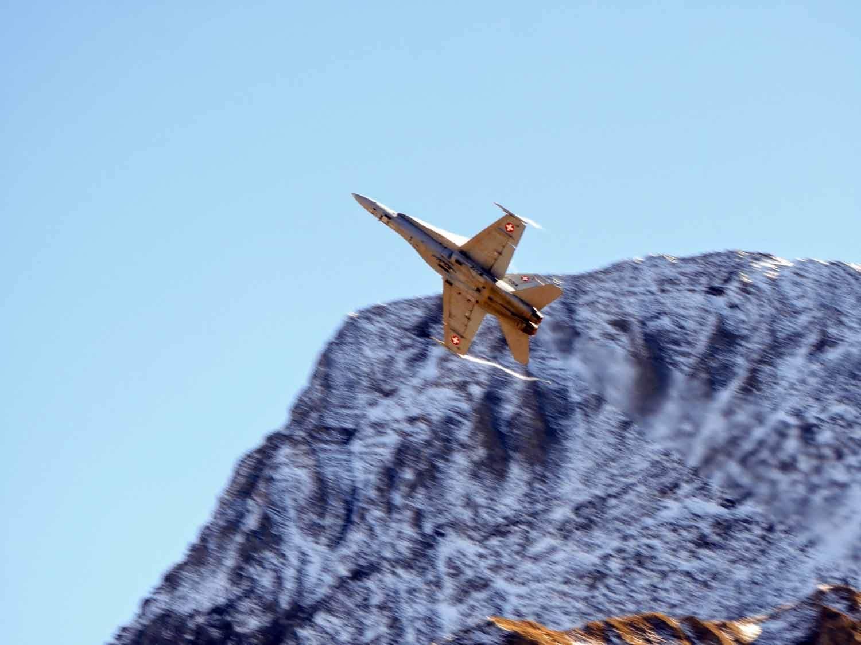 switzerland-axalp-f18-super-hornet-swiss-air-force-meringen (9).jpg