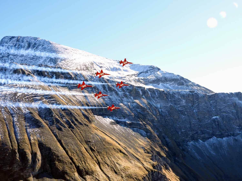 switzerland-axalp-f5-patrouille-suisse-swiss-air-force (15).jpg
