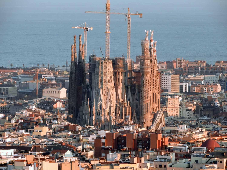 spain-barcelona-la-sagrada-familia.jpg