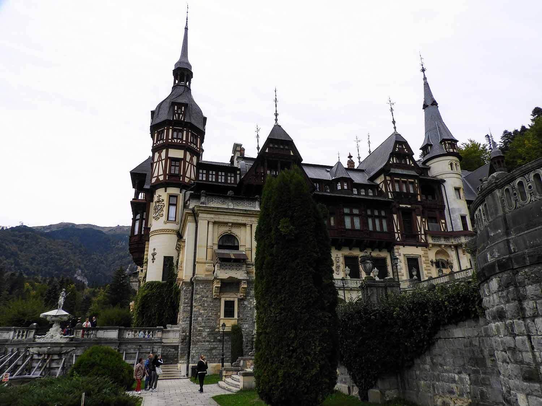 romania-sinaia-peles-castle (8).jpg