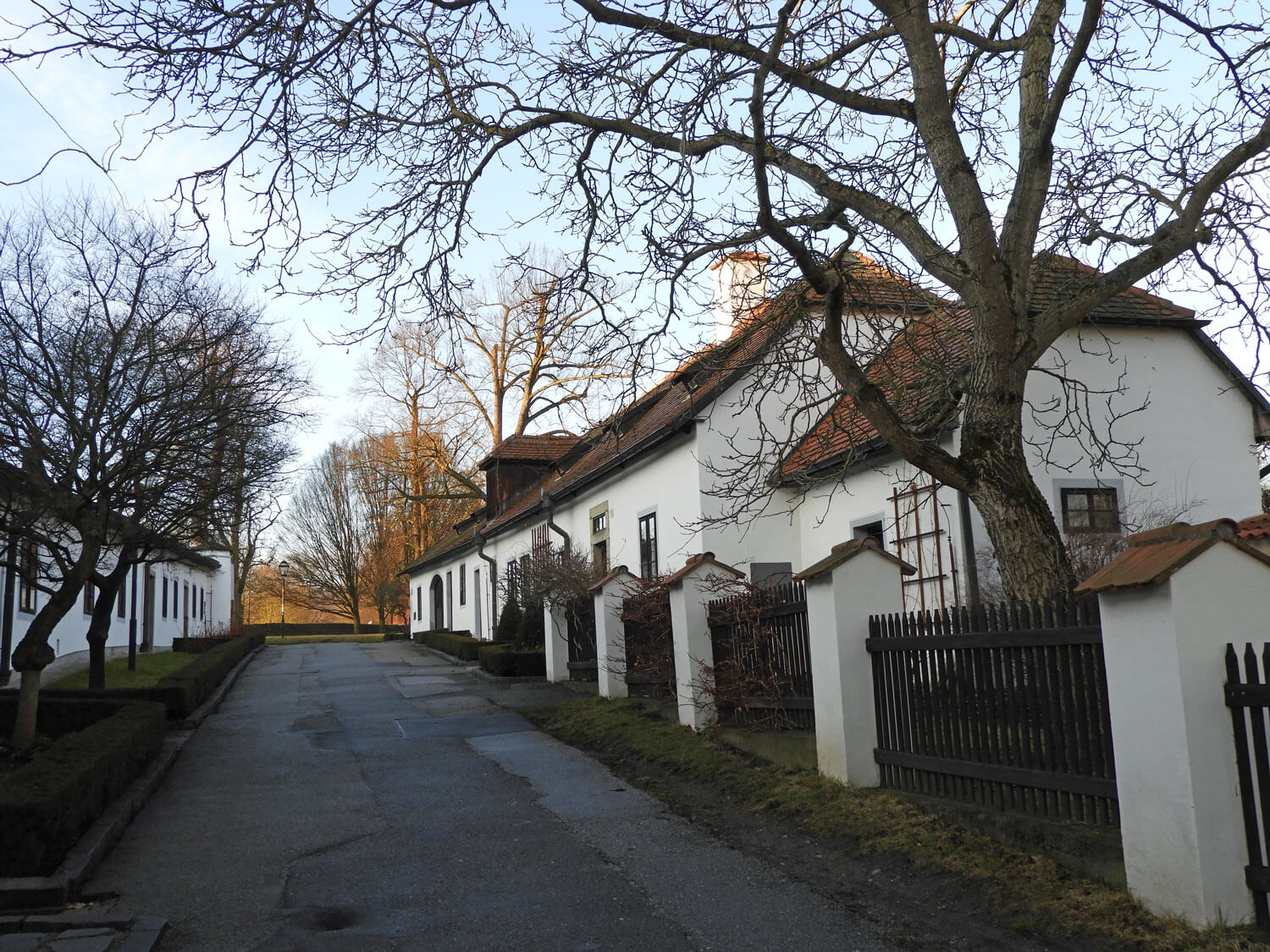 czech-cesky-cottage-street-white-house.jpg