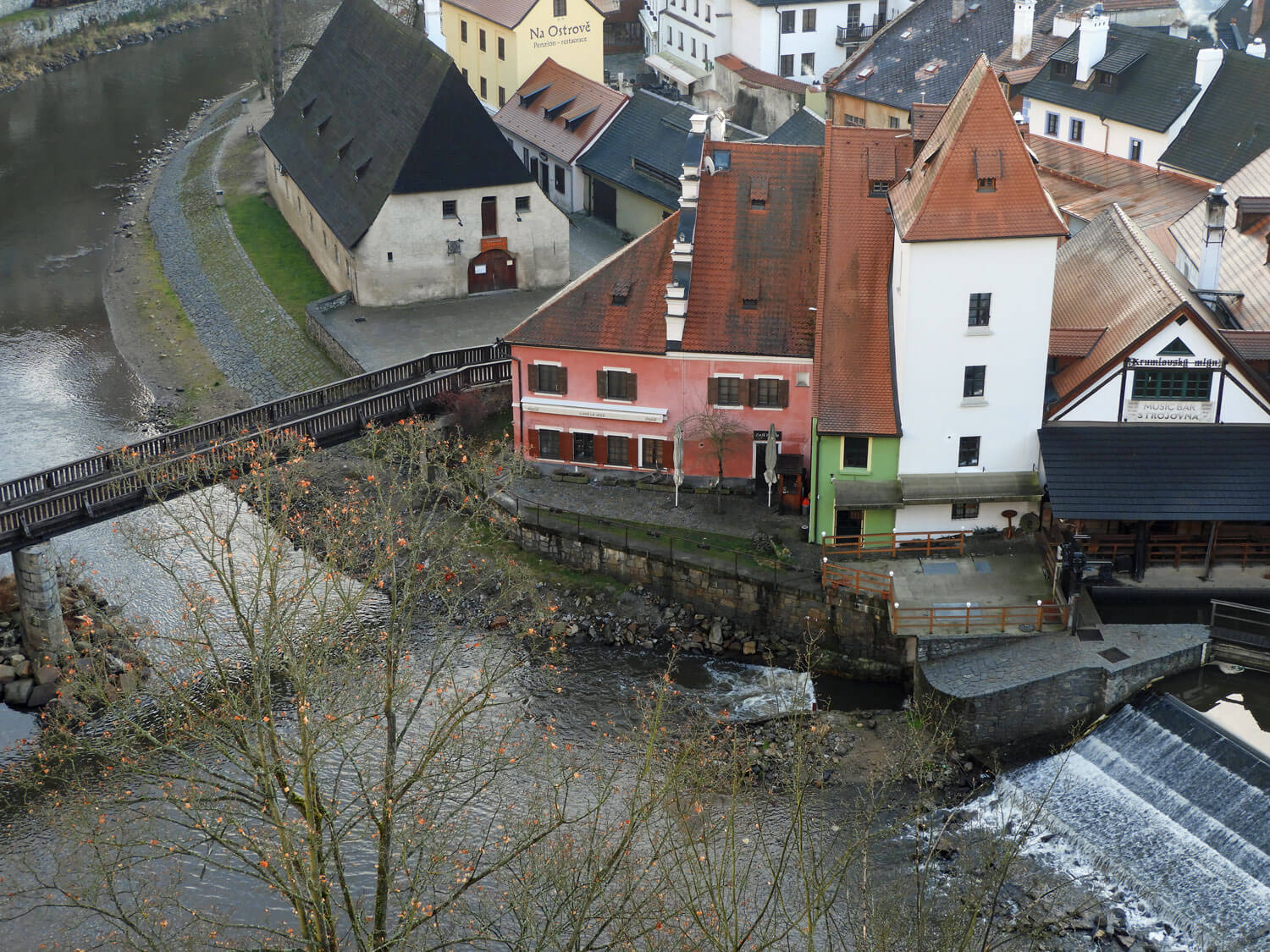 czech-cesky-river-house-bridge-waterfall.jpg