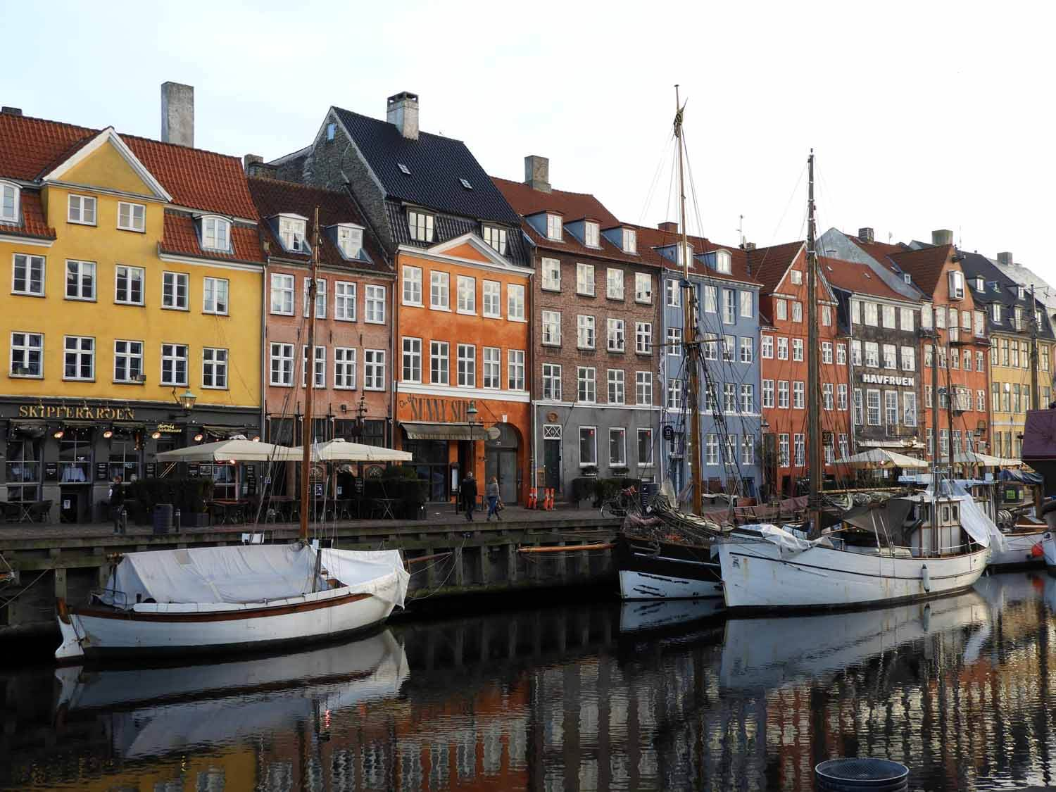 denmark-copenhagen-nyhavn-boats-harbor-rowhouses-beautiful.JPG