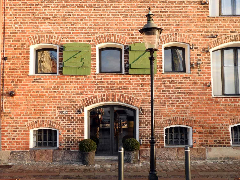 denmark-copenhagen-brick-lamppost-harbor-house.JPG