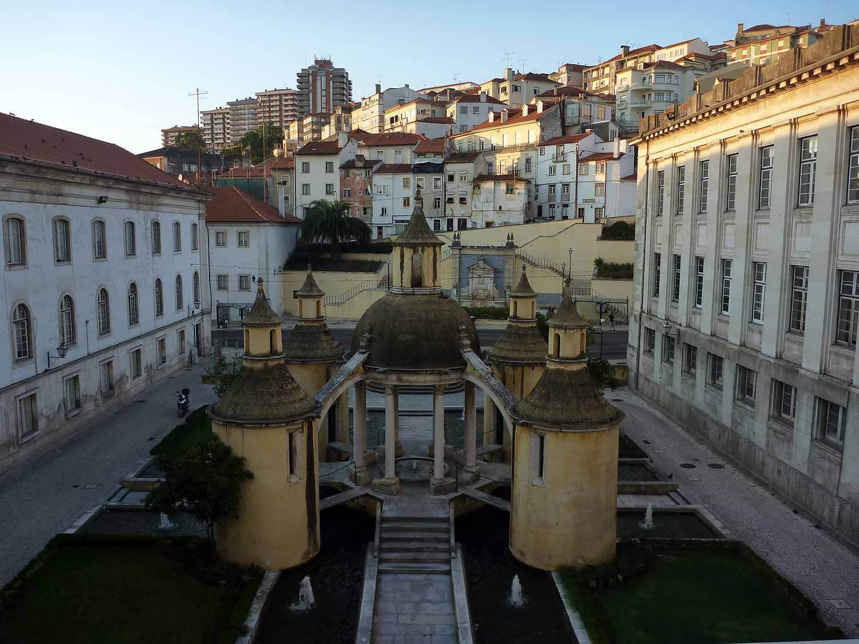 portugal-coimbra-claustro-da-manga-square.JPG