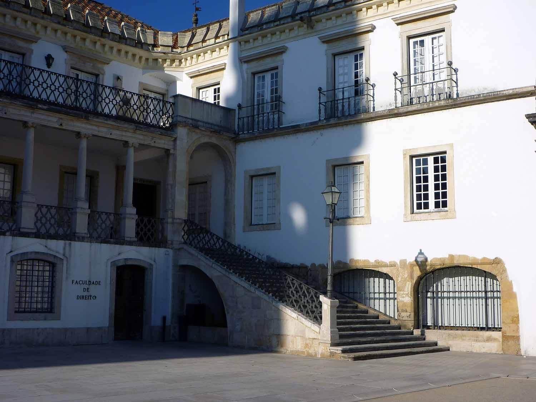 portugal-coimbra-university-universidade-campus-patio-escolas.JPG