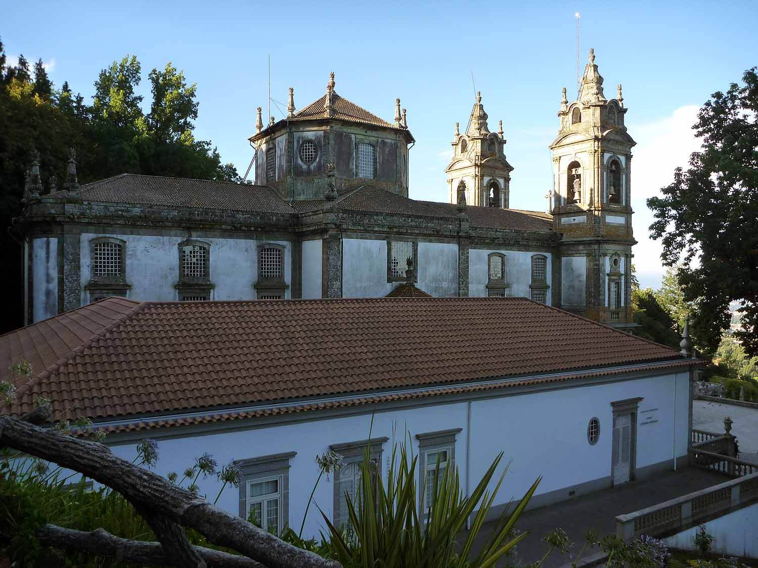 portugal-braga-sanctuary-bom-jesus-do-monte-stairs-pilgramage-chaple.JPG