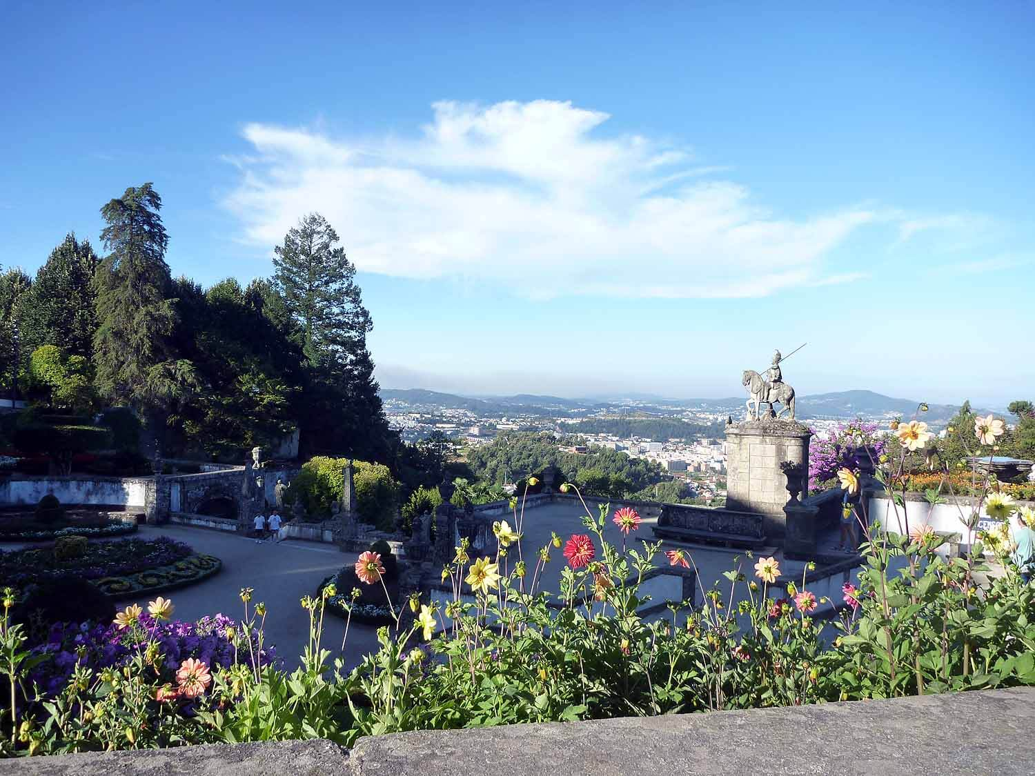 portugal-braga-sanctuary-bom-jesus-do-monte-stairs-pilgramage-chaple-gardens.JPG