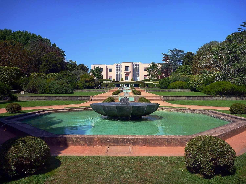 Serralves Foundation - Modern Art and Manacured Gardens