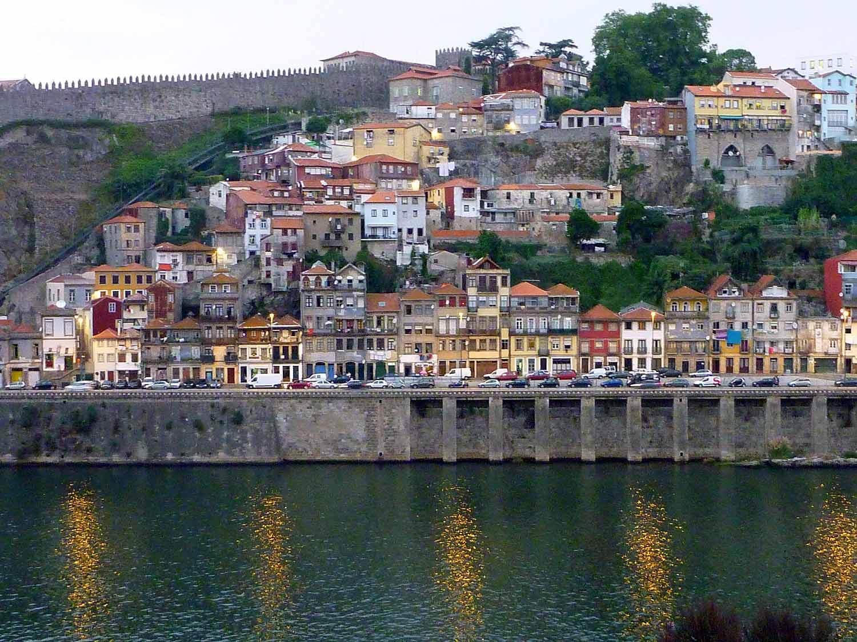 portugal-porto-oporto-douro-river-rio-houses-riverfront-riviera.JPG