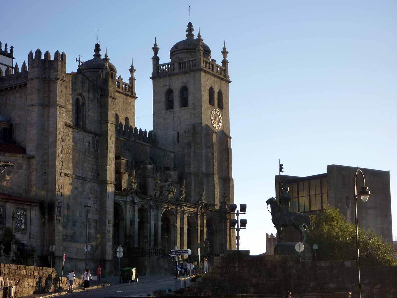 portugal-porto-oporto-catedral-cathedral-main-city.JPG