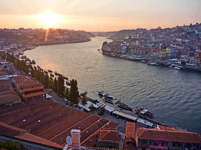 portugal-porto-oporto-douro-river-cruise-sunset.JPG